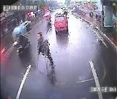 雅安公交司机被施暴!此类事件何时休?!