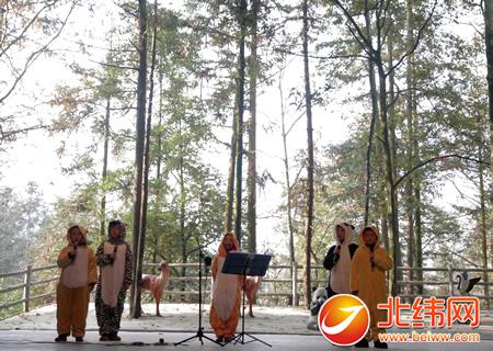 兴贤小学学生合唱《大自然的气息》
