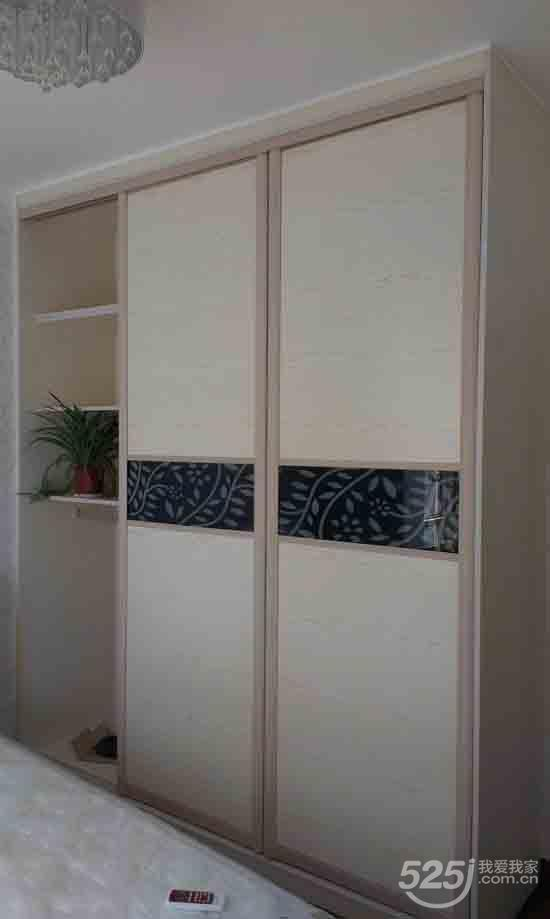 大衣柜柜体结构图