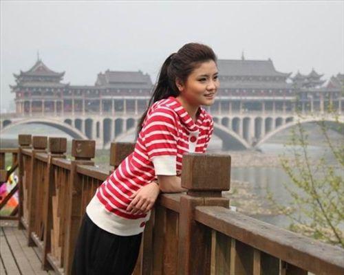 艾如将现身熊猫电影周参加星光舞台开幕式-雅女